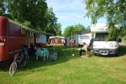 Såhär ska det naturligtvis se ut på vår campingplats. Många och nöjda campare som vill komma tillbaka år efter år.