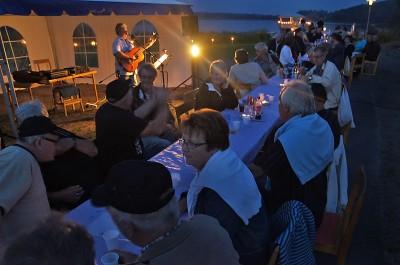Surströmming och lyskväll har blivit en lyckad kombination i centrala Rengsjö och nu är det dags igen. Foto: Allan Olsson