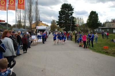 RSK:s sponsorlopp samlade storpublik till årets vårmarknad och de deltagande löparna samlade in välbehövliga pengar till sin klubb.