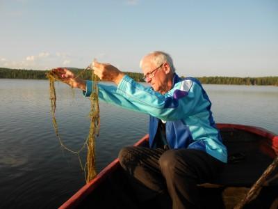 Vattenväxten som breder ut sig i Skidtjärn heter hårslinga och utgör inte alls samma hot som vattenpest som limnologer först befarade att sjön smittats av.