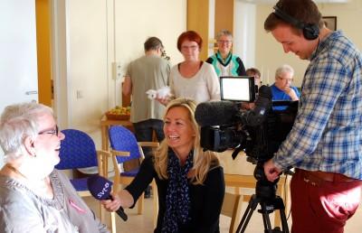 Marianne Örtholm har lärt sig gå utan rollator och berättelsen om hennes nya liv gladde TV-reportern Malin Zetterberg-Lagerkvist