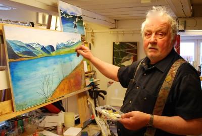 Den hittills okände tavelmålaren Anders Wigren i Svedja visar för första gången sina målningar under Öppet Hus-söndagen.