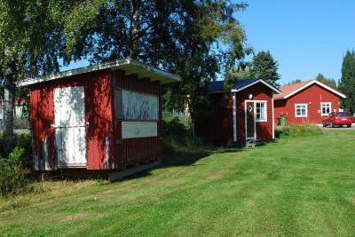 RSK-kiosken står nu bredvid  den andra övernattningsstugan på campingen.