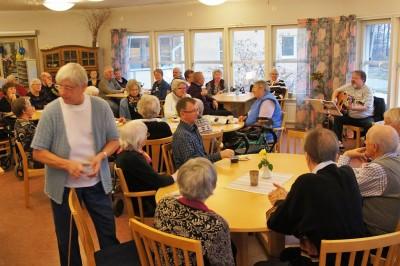 Ringshögs restaurang är inte bara en matplats för de äldre utan en mycket viktig mötesplats för alla människor i Rengsjö.