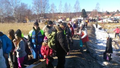 Skolelever från Rengsjöskolan såg till att också magen fick sitt och i gengäld fick de pengar till sin kommande skolresa.